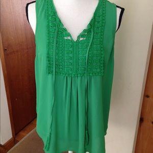 ❤️ Daniel Rainn Tank Top Crochet Detail Boho Green